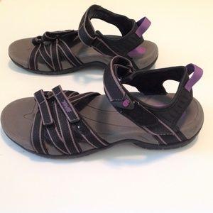 Teva 4266 Woman's River/Hiking Sandal Size 8 EUC
